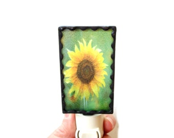 Sunflower night light, stained glass light, sunflower photograph, sunflower light, hallway light, nite lite, light with on off switch