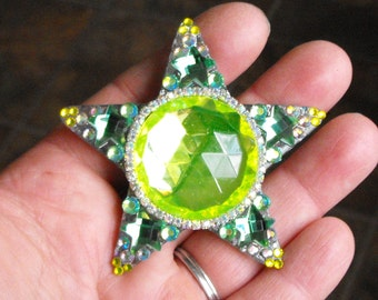 MORE, new stars, star necklace, glittery star, upcycle, magical, shining stars, stardust, sparkle, necklace. pendant, blue, yellow, green