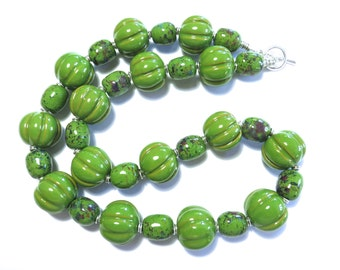 Green Kazuri Necklace, Ceramic Jewelry, Kazuri Bead Necklace