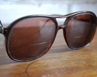 Morwen Vintage 1970s You & You Sunglasses Made in Italy Aviator