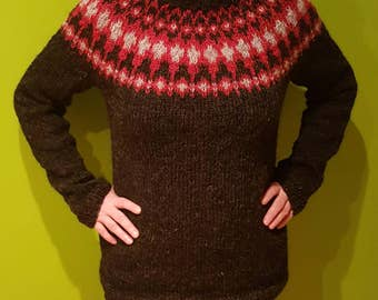 Hand knitted Icelandic sweater - 100% natural