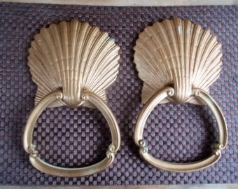 Pair of Vintage Homco Scallop Shell Hand Towel Holders