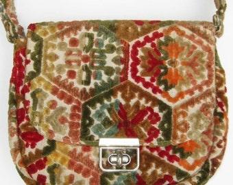 HOLIDAY SALE Vintage 60s Tapestry Carpet Boho Hippie Purse Hand Bag