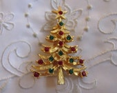 Vintage Gold Tone Christmas Tree Brooch with Red and Green Faceted Rhinestones