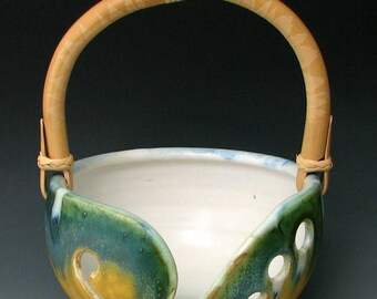STONEWARE KNITTING BOWL #16 - Ceramic Knitting Bowl - Stoneware Yarn Bowl - Ceramic Yarn Bowl - Knitting Yarn Bowl - Studio Pottery