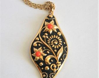 Vintage flower pendant. Toledo pendant. Black and gold pendant