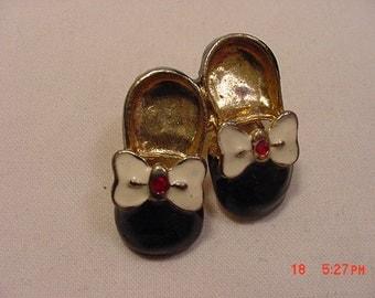 Vintage Child's Shoes Brooch  16 - 871