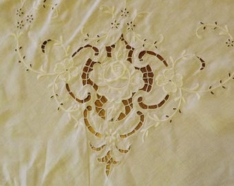 Antique Off White Embroidered Cutwork Rectangle Tablecloth With 12 Matching Napkins