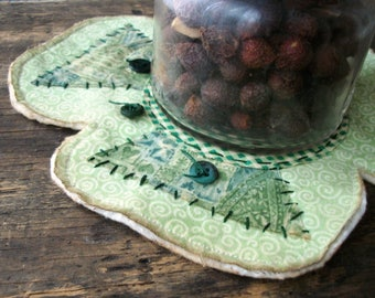 Primitive Country St. Patrick's Day Shamrock Candle Mat