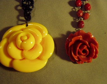 Vintage Lot 2 Plastic Rose Pendant Necklaces & Screw Back Earrings 1 is Avon 9042