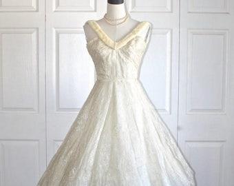 50% OFF SALE 1950s Bombshell Wedding Dress . Vintage 50s Stunning Ivory Nipped Waist Full Skirt Embroidered Sheer Tea Length Mink Fur S