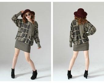 Black & Tan Slouchy Sweater Dress- Minimalist Graphic Knit Dolman Dress, Mini, 90s Beige Taupe 80s