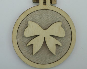 Christmas Bow - Laser cut embroidery hoop with quality textile