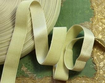 "1 yard antique 1"" wide silk velvet ribbon soft pistachio mint green  shade ribbonwork dress millinery hat trim flapper edwardian"