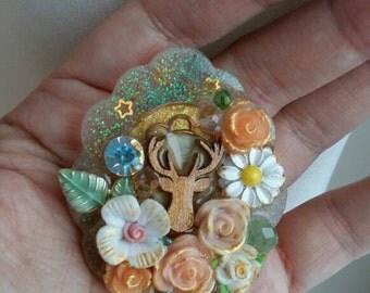 Forest themed vintage resin brooch