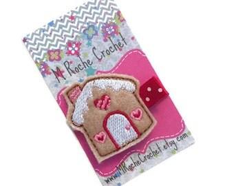 Gingerbread house hair clip, Christmas hair clip, Christmas clip, gingerbread house, toddler hair clip, hair clippies, baby barrettes
