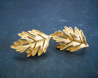 Rifari gold leaf clip on earrings - vintage, collectible, jewelry, earrings