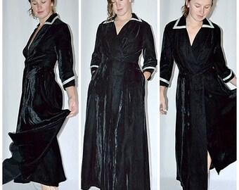 Vintage 1940s Black Velvet Long Flared Robe House Coat Dressing Gown With Metallic Silver Trim Sz M