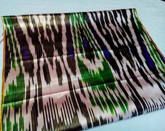 Uzbek vintage silk ikat fabric Han-atlas. VI010