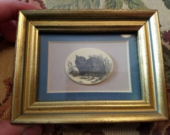 Vintage Barlow Faux Scrimshaw Style Cat 1980s Made in the USA Gold Frame Wall Hanging