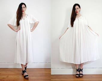 Vintage White Cotton Wedding Grecian Angel Sleeve Trapeze Smock Kaftan Maxi Dress 70'S