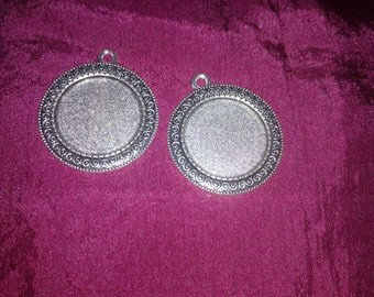 2pcs Cabochon Base Setting with Swirls  Antique Silver Round Bezel Tray Charm Pendants 25mm