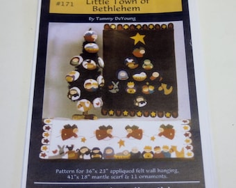 Plum Creek Collectibles: Little Town of Bethlehem Wall Hanging Pattern NEW
