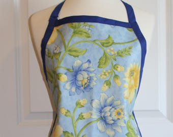 Waterproof Womens Plus Size Apron in Light Blue with Flowers