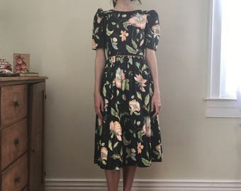 Cotton black floral puff sleeve back bows dress