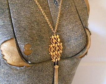 Vintage gold tone long tasseled Pendant Necklace