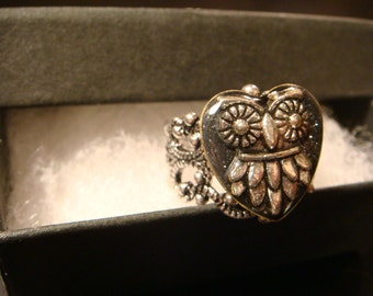 Silver Owl Heart Filigree Ring in Antique Silver-  (2292)