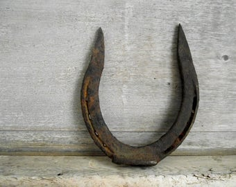 Lucky Horseshoe , Large Antique Iron Horseshoe , Farmhouse Decor , Country Wedding Decor , Equine Decor , Housewarming Gift