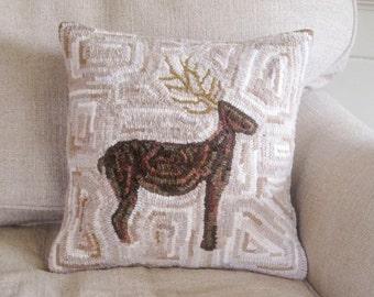 Primitive Reindeer Rug Hooking Pattern
