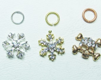 Nail Dangles: Silver Snowflake, Gold Snowflake and a Skull All Have Rhinestones Small 13A