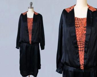 1920s Dress / 20s Black Satin Day Dress / ART DECO Graphic Print / Geometric