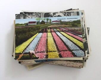 100 Vintage World Travel Unused Postcards Blank - Unique Travel Wedding Guest Book, Reception Decor, Travel Journal Supplies