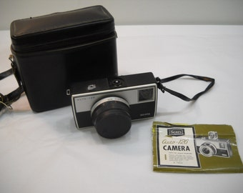 Vintage Sears Auto 126 Camera With Leather Case And Booklet FREE SHIPPING