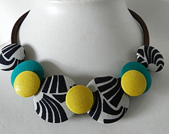 Necklace in green and ethnic black and white