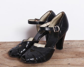 vintage 40s black peep toe Heels /1940s black heels with ankle strap / mary jane peep toe with cut outs