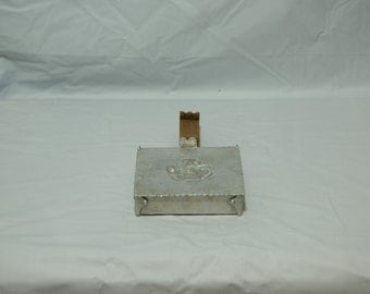 Vintage Everlast Hand Forged Square Silent Butler with Wood Handle