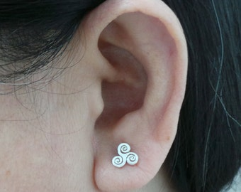 Silver Triple Spiral Trinity Stud Earring -  Bdsm Celt, Pagan Jewelry