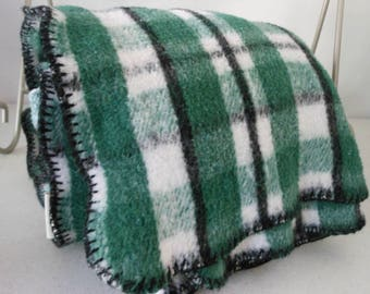 SKIMO Blanket Poly Cotton Blend Green Black Plaid Blanket Stitch