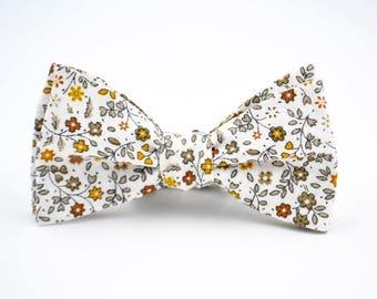 Floral Freestyle Bow Tie, Cream Floral Bow Tie, Boho Floral Bowtie, Groomsmen Bow Tie, Wedding Bow Tie, Self Tie Bow Tie