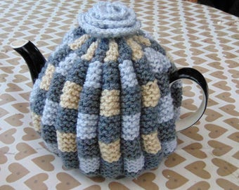 Hand Knitted  Tea Cosy 4-6 cup