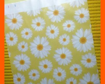 Poly Bags Spring Daisies Self Adhesive Designer, 10 x 13 Inch Postage Envelope Mailers Pkg 10