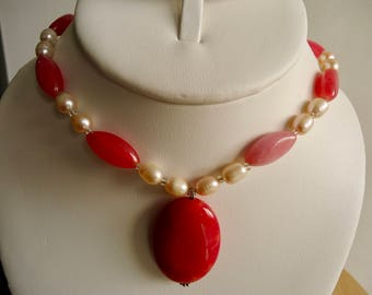 Pearl Necklace, Ladies Pearl and Agate Choker, 19 inch