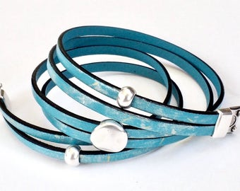 Sky Blue Painted leather, Whirly Wrap, wrap bracelet, Gold Silver Metallic, silver pebble, secure magnet, wrap and click, easy to wear