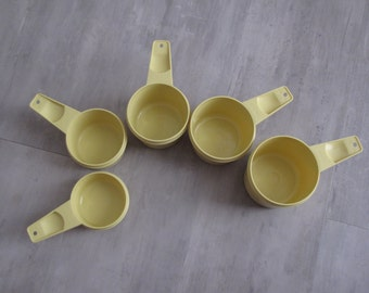 Vintage Retro Tupperware Yellow Measuring Cups - Set of 5