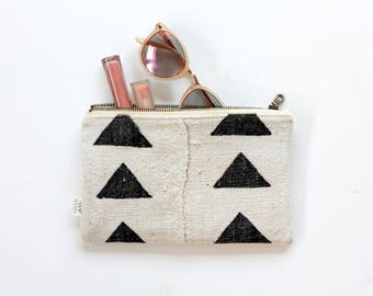Mud Cloth Clutch, Mud Cloth Zipper Pouch, African Mudcloth, Purse, Black and White, Boho Clutch, Geometric, Wallet, Gift For Her, Under 50