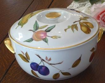 Vintage Royal Worcester 3 Qt Round Covered Casserole in Evesham Gold, Evesham Gold 3 Qt Round Covered Casserole